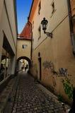 Praag, oude stadsstraat Royalty-vrije Stock Foto