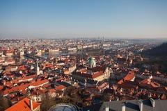Praag. Rode daken. royalty-vrije stock afbeelding