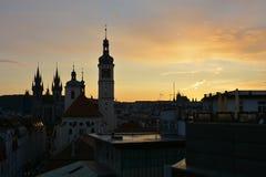 Praag - Stad van Torens, Silhouetten van kerken rond Oude Stads Vierkante, Tsjechische Republiek, Europa Royalty-vrije Stock Foto's