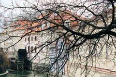 Praag, Tsjechische Republiek - 04 02 2013: Architectuur, gebouwen en oriëntatiepunt Weergeven van de straten van Praha royalty-vrije stock foto