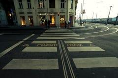 Praag, Tsjechische Republiek - 27 Januari, 2014: een voetgangersoversteekplaats in Praag Royalty-vrije Stock Afbeelding