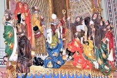 Praag, Tsjechische Republiek, Januari 2013 Plastische samenstelling met Christus en de heiligen in de tempel van Praag royalty-vrije stock afbeeldingen