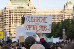 PRAAG, TSJECHISCHE REPUBLIEK - 15 MEI, 2017: Demonstratie op het vierkant van Praag Wenceslas tegen de huidige overheid en Babis Royalty-vrije Stock Fotografie