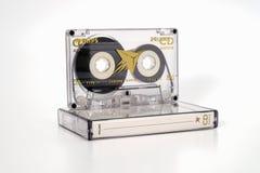 PRAAG, TSJECHISCHE REPUBLIEK - 29 NOVEMBER, 2018: Audio compact CD van cassettephilips extra chroom 90 Audiocassette met doos van stock afbeelding