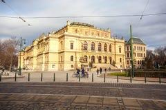 24 01 2018 Praag, Tsjechische Republiek - Rudolfinum die op Januari P voortbouwen Stock Foto
