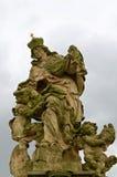 Praag, Tsjechische Republiek, 25 September 2014 Standbeeld van Heilige Ludmila van Bohemen op Charles Bridge Stock Fotografie