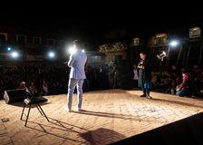 Prabal Gurung intervju på den fotoKatmandu festivalen 2018, i passande royaltyfri bild