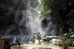 Prabang luang водопадов Tat Kuang Si в Lao Стоковые Изображения RF