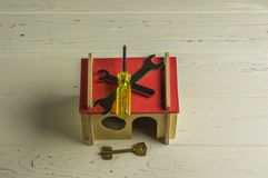 Prac narzędzia na modela domu Obraz Royalty Free