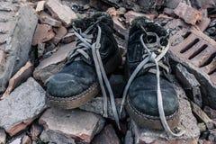 Praca buty na cegłach Zdjęcia Royalty Free