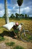 Praca dzieci przy Azja biedy wsią Zdjęcia Stock