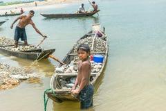 Praca Dzieci W Bangladesz Obrazy Stock