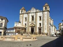 Praca font Giraldo et Santo Antao Church images stock