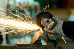 Praca na szlifierskiej maszynie Zdjęcie Royalty Free
