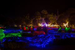 Prachinburi,泰国January11,2018 :LED在法国庭院里打开在Dasada画廊 库存照片