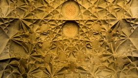Prachtig bewerkt plafond in een paleis stock foto