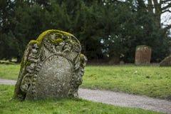 Prachtig gesneden grafsteen Royalty-vrije Stock Afbeeldingen