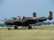 Prachtig herstelde Noordamerikaanse B-25 Mitchell bommenwerper Royalty-vrije Stock Afbeeldingen