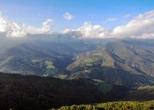 Prachtig panorama over de randen en Technologie-Vallei van de Toren van Mir, prats-DE-Mollo, Pyreneeën-Orientales, Frankrijk stock foto's