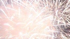 Prachtig vakantievuurwerk in vieringsconcept stock video