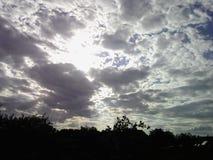 Prachtige bewolkte hemel Royalty-vrije Stock Foto's