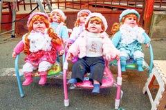 Prachtige die poppen voor verkoop bij de markt worden getoond stock afbeeldingen