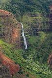 Prachtige die Waimea-Canion (ook als Grand Canyon van de Stille Oceaan wordt bekend) in het Eiland van Kauai Royalty-vrije Stock Fotografie