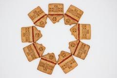 Prachtige en Heerlijke Koekjes met Marmelade in de vorm van een ??n-Verhaal Huis stock afbeeldingen