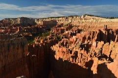 Prachtige Hodes-Vormingen bij Zonsopgang in Bryce Canyon geology Reis nave stock afbeelding