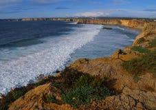 Prachtige kustlijn in Sagres, Portugal stock foto's
