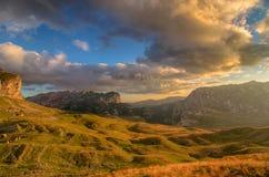 Prachtige mening aan bergen in het nationale park Durmitor Montenegro de Balkan Europa Karpatisch, de Oekraïne, Europa Autumn Lan Royalty-vrije Stock Foto