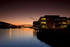 Prachtige nacht van haven in Bergen, Noorwegen Royalty-vrije Stock Foto's