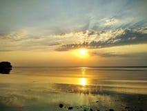 Prachtige zonsondergang over de Dnieper-Rivier royalty-vrije stock afbeeldingen