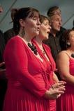 Prachtvoller Chor singen die Phasen Ausführung im Chor stockfotografie