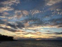 Prachtvoller Sonnenuntergang, Panglao-Insel, Bohol, Philippinen Lizenzfreies Stockbild