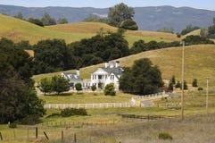 Prachtvolles Haus des Landes Lizenzfreie Stockfotos