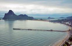 Prachuap Khiri Khan风景海湾  免版税图库摄影
