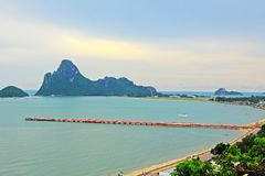 Prachuap Khiri Khan Seaside And Wharf, Tailândia fotografia de stock