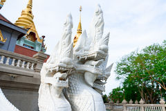 Prachuap Khiri Khan Tajlandia, Kwiecień, -, 18, 2017: Statua Biały N Zdjęcia Stock