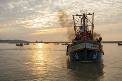 PRACHUAP KHIRI KHAN THAILAND - MARCH 29 : thai fishery boat approaching to klong wan port early moring on march 29 , 2017 in royalty free stock photos