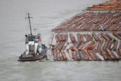 Pracować na holownik łodzi zdjęcia royalty free