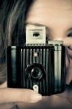 Pracować z rocznik kamerą fotografia stock