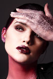 Pracowniany moda portret atrakcyjna kobieta z kreatywnie makijażem Obrazy Royalty Free