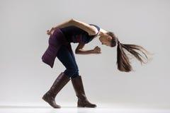 Pracowniany portret dancingowa dziewczyna Zdjęcia Royalty Free