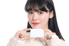 Pracowniany portret lata dwudzieste Azjatycka kobieta szczęśliwie ma kartę Zdjęcie Stock