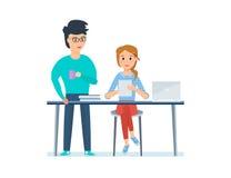 Pracownicy, dyskutuje projekt który przedstawia na jej pastylce dziewczyna projektant, Zdjęcie Stock