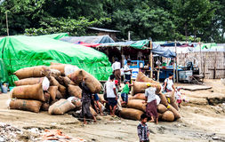 Pracownicy w Mandalay, Myanmar 2 Obraz Royalty Free