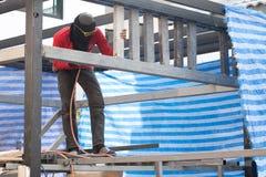 Pracowniczy działanie w budowie Tajlandia obraz stock