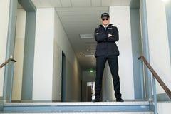 Pracownik Ochrony pozycja Przy wejściem Zdjęcie Stock