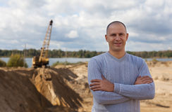 Pracownik przy piasek jamą Zdjęcie Royalty Free